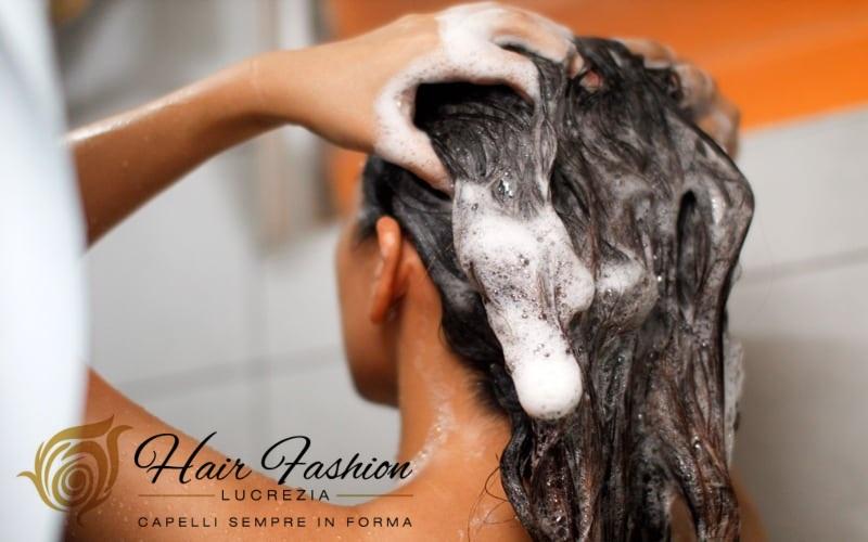 Il parrucchiere ti ha detto cosa serve ai capelli?